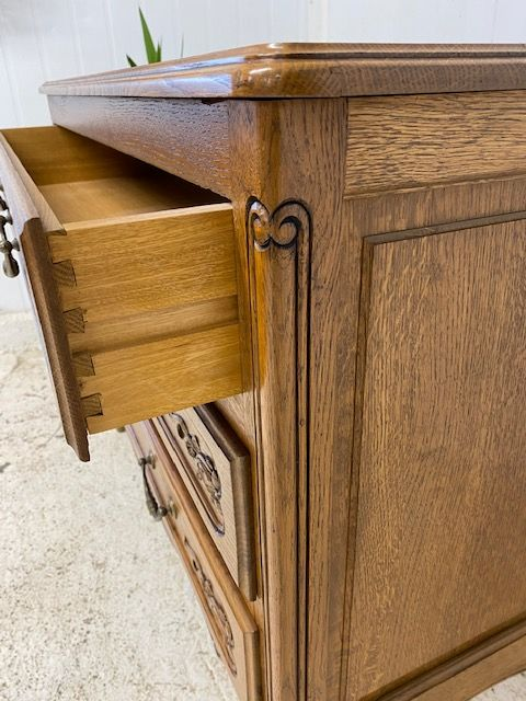 Impressive Vintage  Chest Of Drawers - b66
